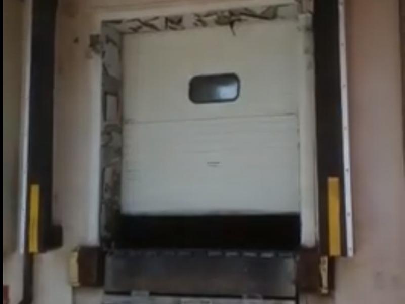 אוטם שערים מתנפח לרמפת העמסה של חדר קירור